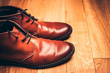 大事な革靴の手入れ方法! クリーム&シューキーパーのケアで7年は長持ち!