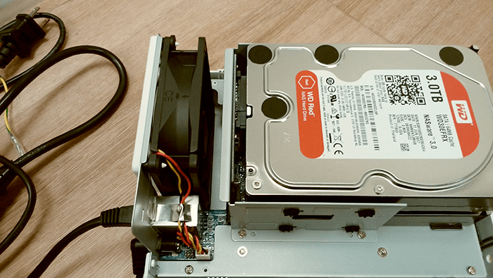 NAS DS216j WD-RED HDD RAID1 組立4