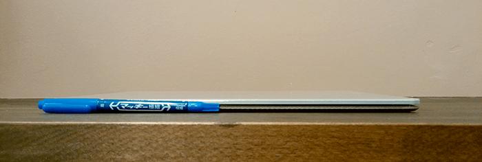 Surface Laptop 薄い