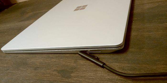 Surface Laptop 電源1