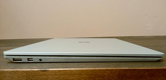 Surface Laptop 端子