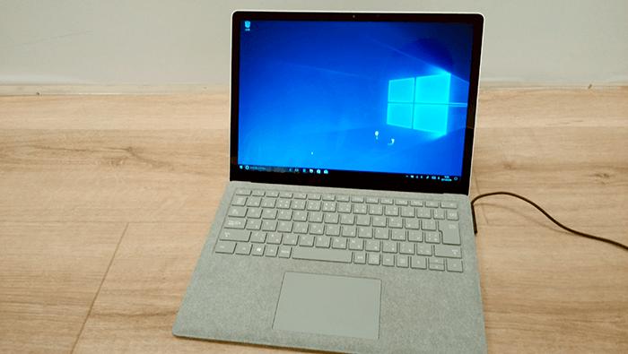 Surface Laptop 起動