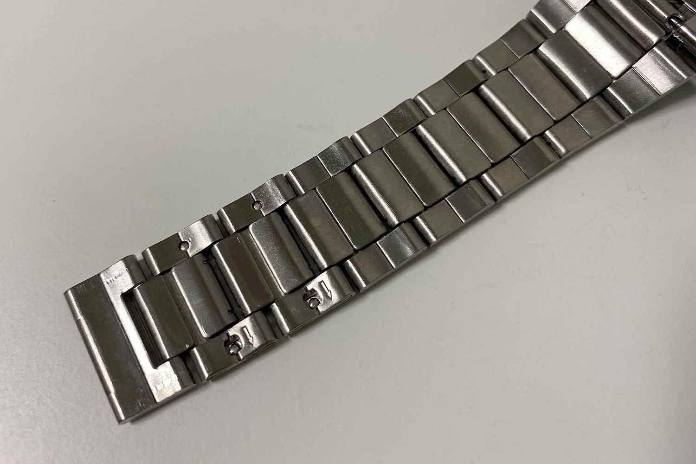 腕時計 金属ベルト 調整