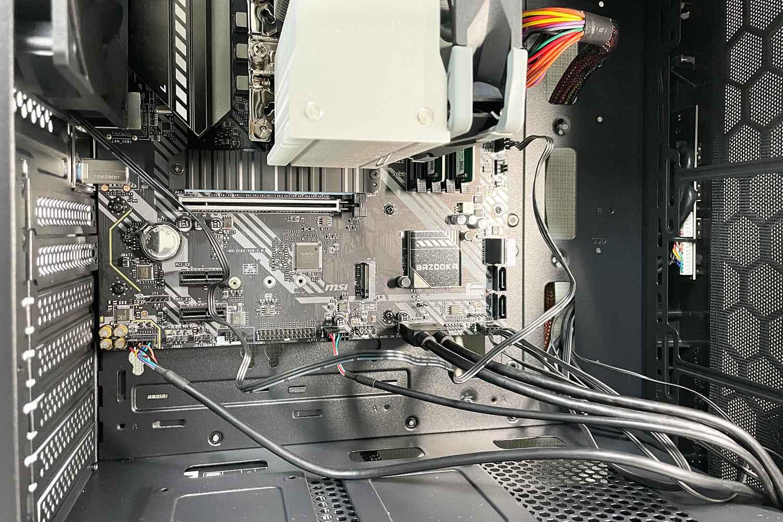 初めての自作PC 組立手順15「PCフロントパネルの配線作業⇒USB/AUDIO/FAN関連」