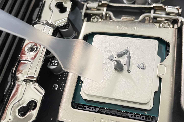 CPU i5-10400F ヘラ グリス伸ばし