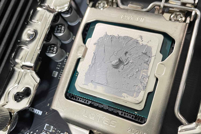 CPU i5-10400F MX-4 グリス塗り 完了