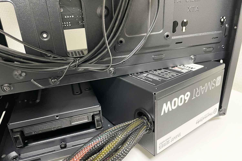 電源ユニット THERMALTAKE 600W SMART PCケース組み込み